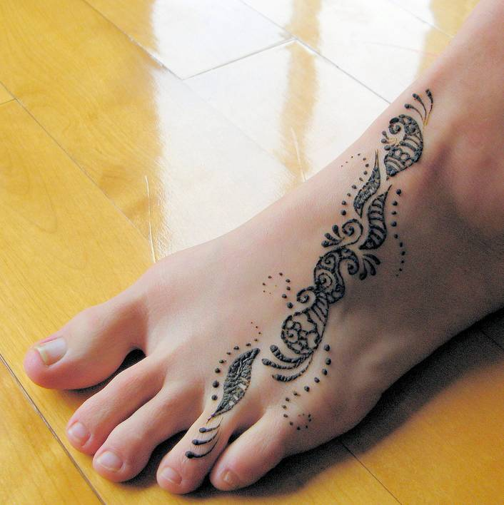 Henna Tattoo On Foot: The Girl I Mean To Be